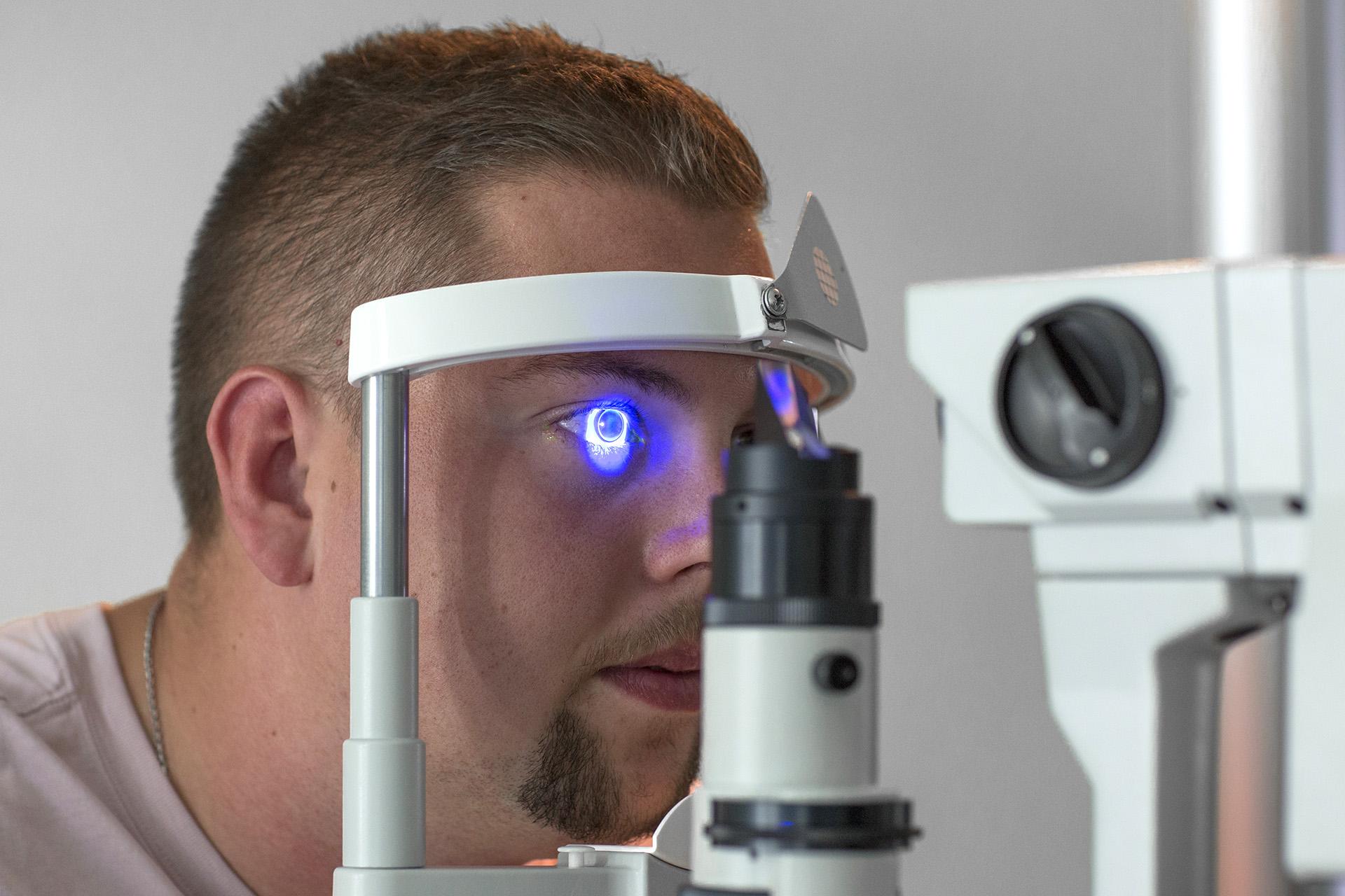 Überprüfung Sehvermögen